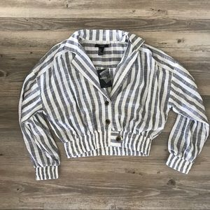 NWT! Cropped striped linen sailor button up top